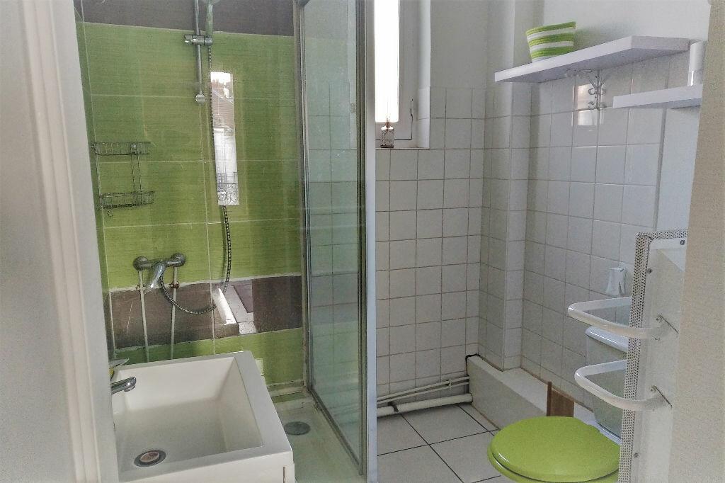 Appartement à louer 2 47m2 à Vichy vignette-5