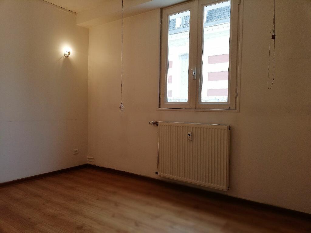 Appartement à vendre 3 74m2 à Vichy vignette-5