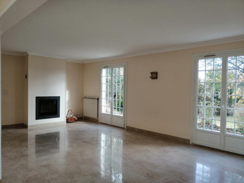 Maison à louer 5 147m2 à Bellerive-sur-Allier vignette-3