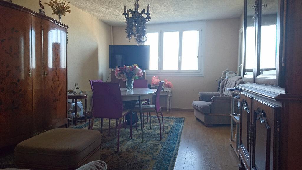 Appartement à vendre 3 60m2 à Vichy vignette-2