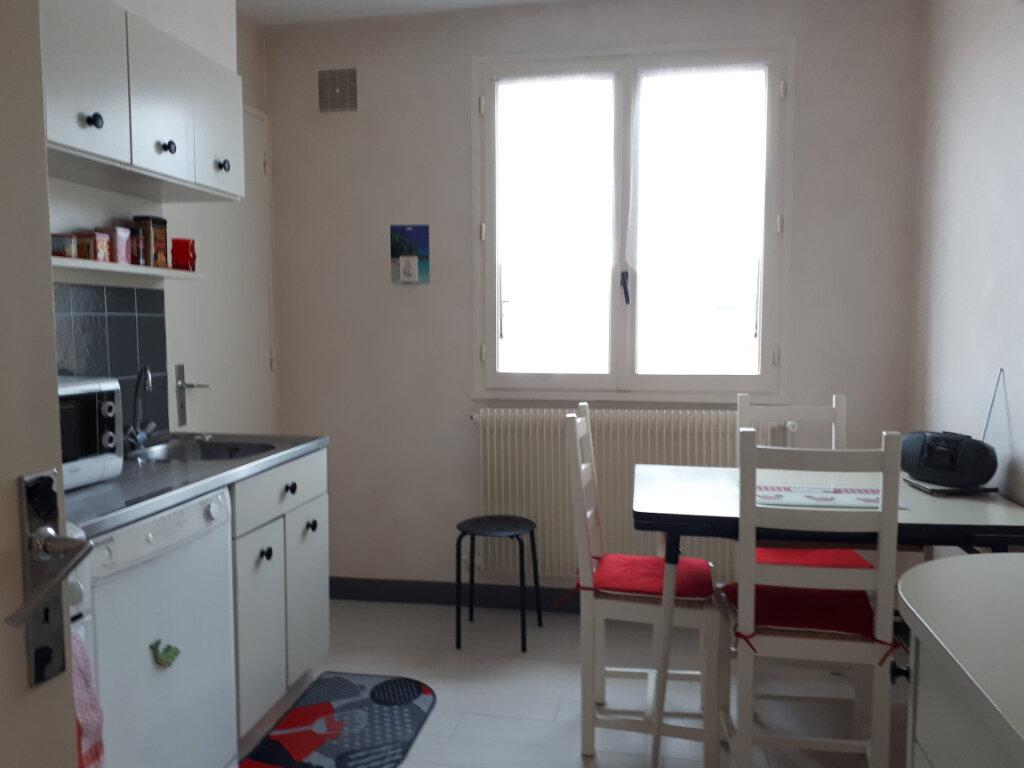 Appartement à vendre 5 110m2 à Vichy vignette-5