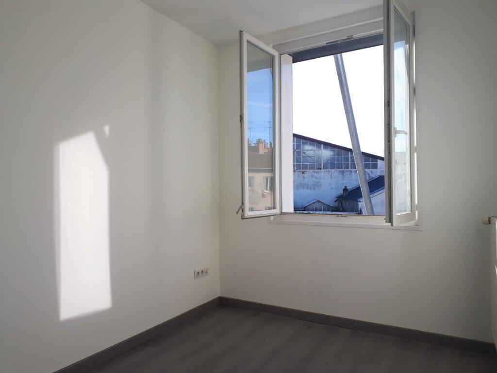 Maison à vendre 6 140m2 à Vichy vignette-4