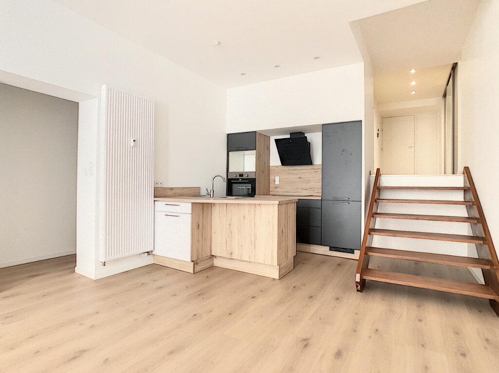 Appartement à vendre 2 76.98m2 à Vichy vignette-2