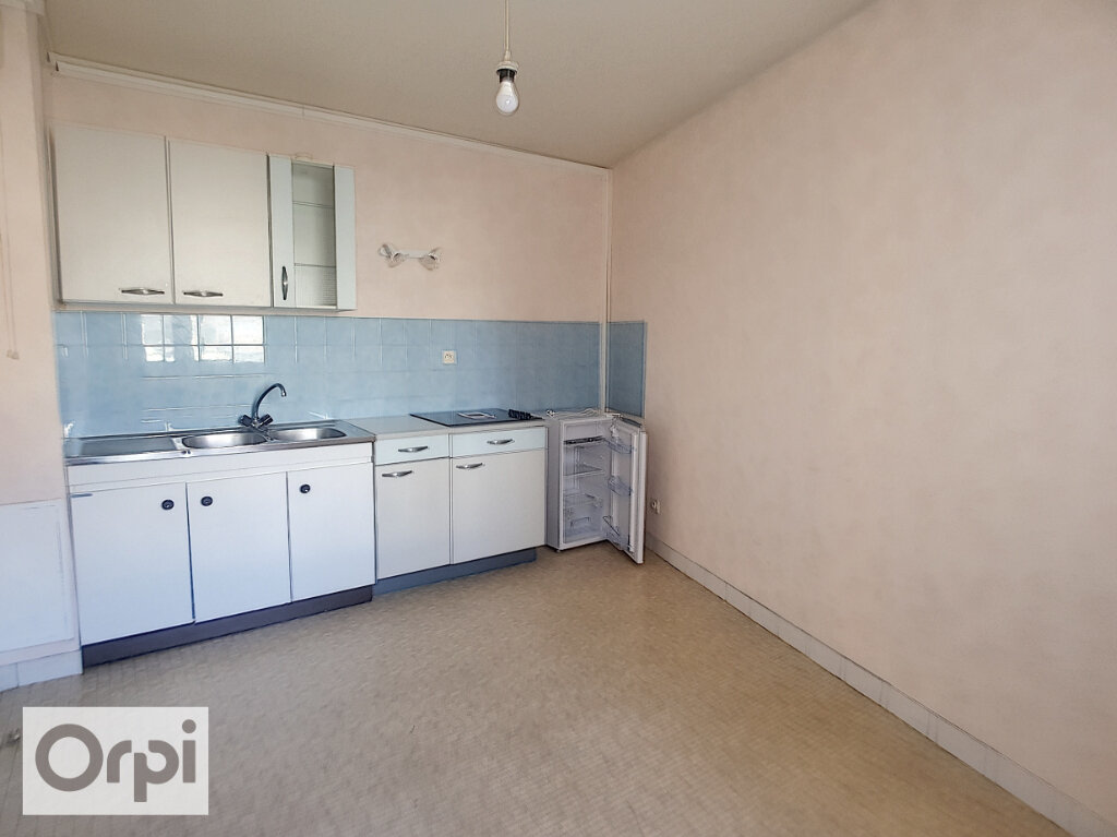 Appartement à louer 1 50m2 à Montluçon vignette-4