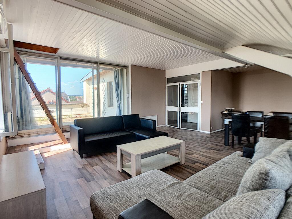Appartement à louer 3 70m2 à Montluçon vignette-2