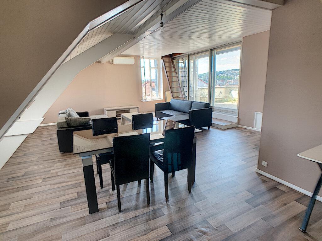 Appartement à louer 3 70m2 à Montluçon vignette-4