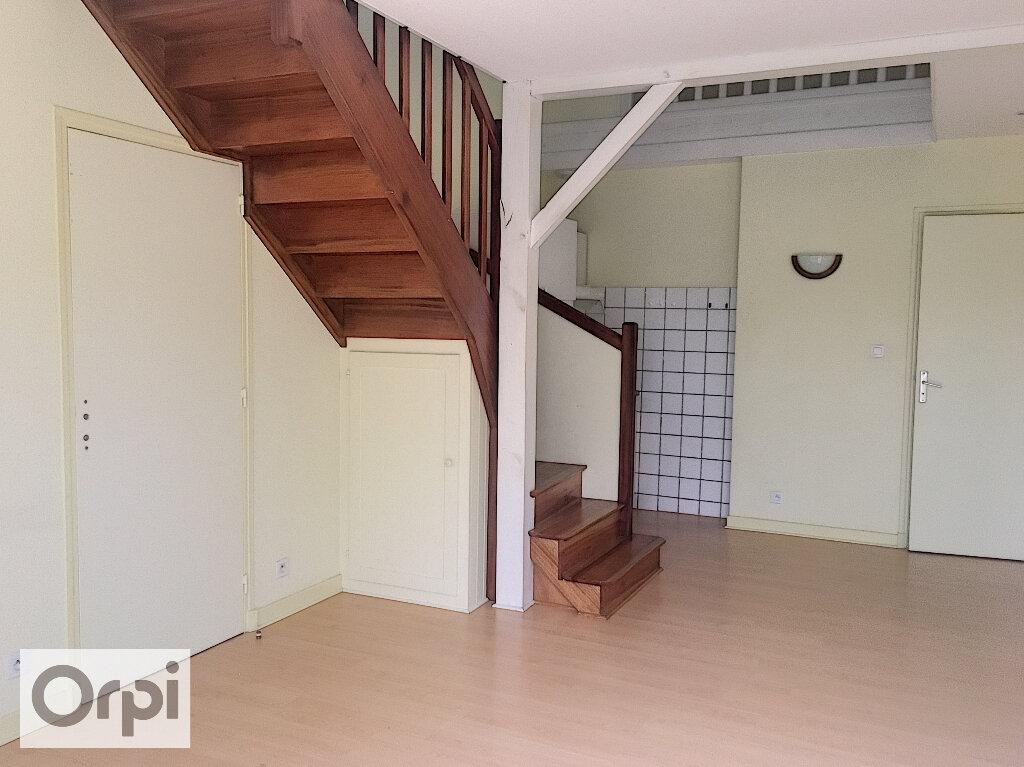 Maison à louer 2 40m2 à Désertines vignette-1