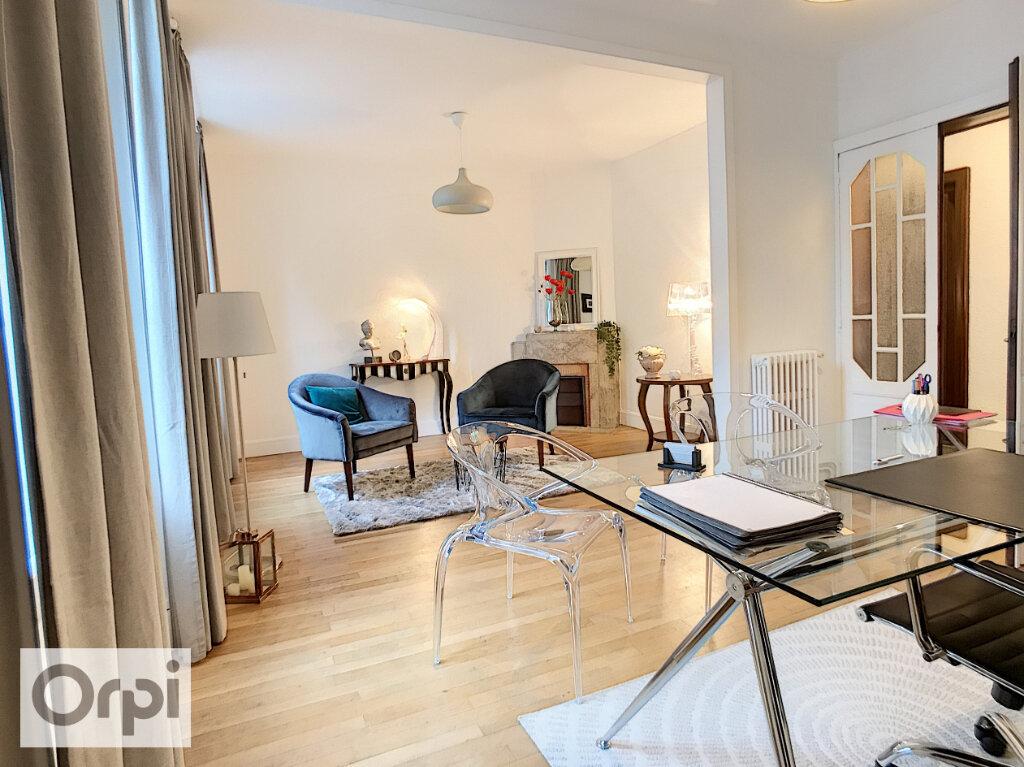 Appartement à louer 3 92.02m2 à Montluçon vignette-1