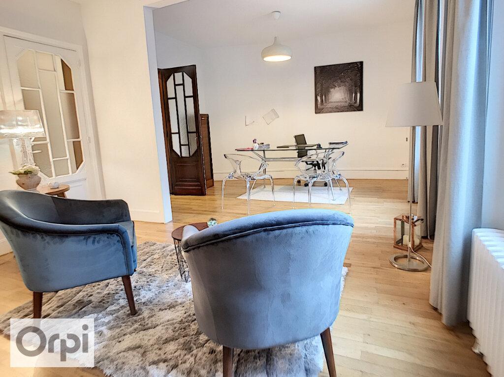 Appartement à louer 3 92.02m2 à Montluçon vignette-2