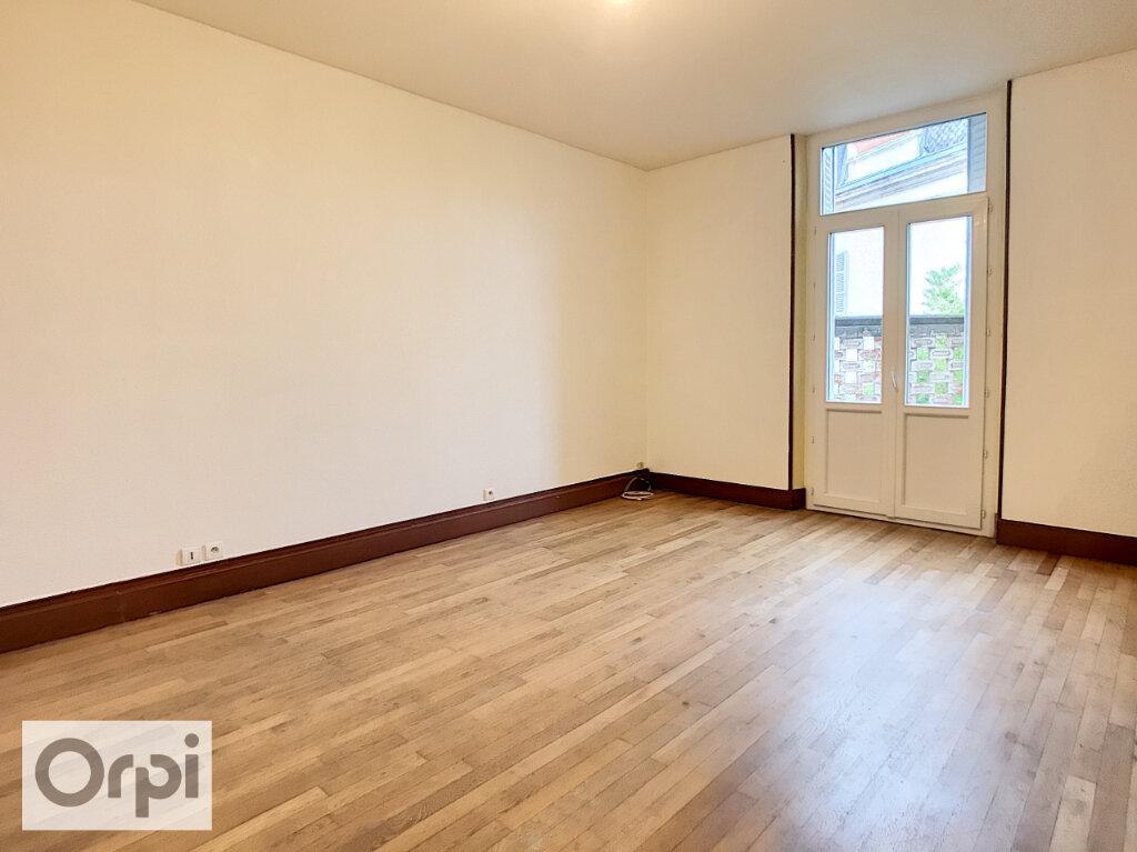 Appartement à louer 3 92.02m2 à Montluçon vignette-4