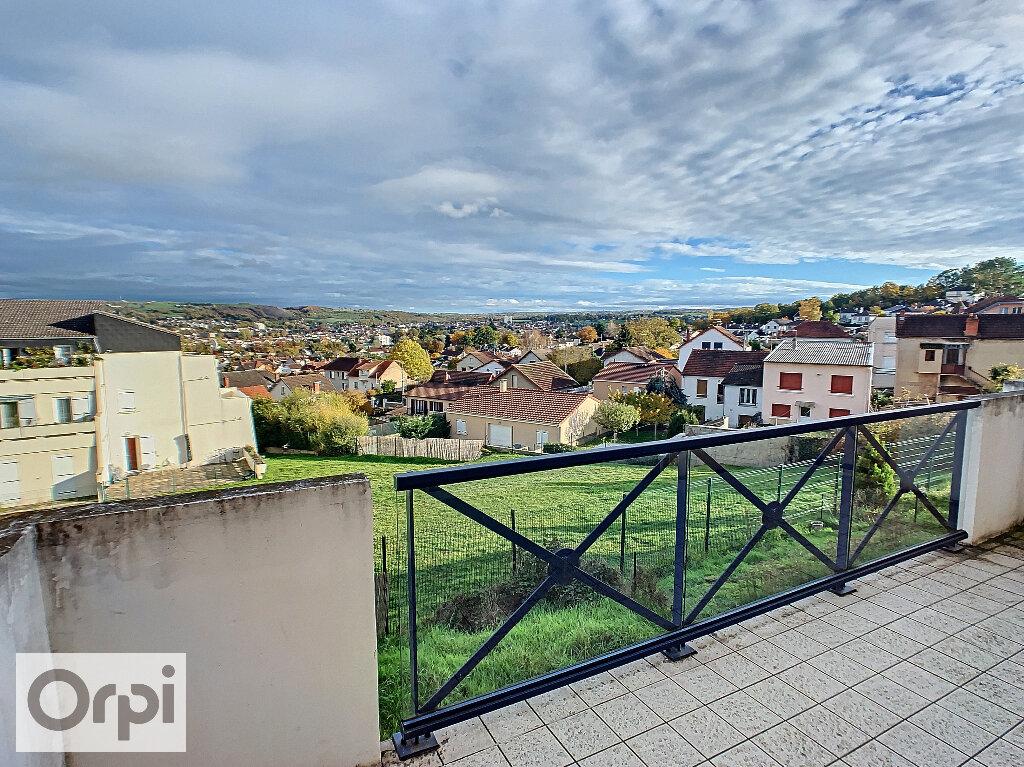 Appartement à louer 2 41.15m2 à Montluçon vignette-2