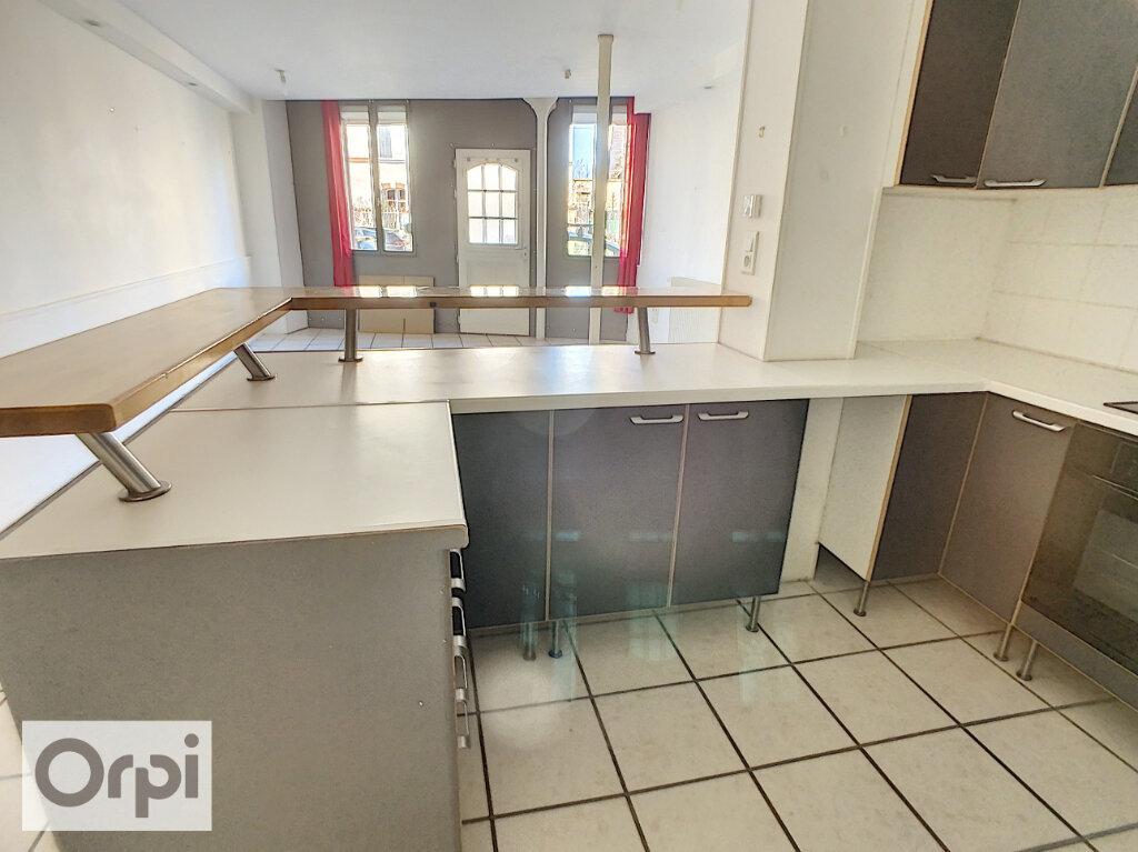 Appartement à louer 3 82.34m2 à Montluçon vignette-4