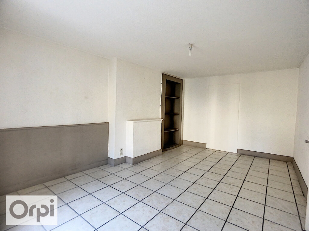 Appartement à louer 3 82.34m2 à Montluçon vignette-9