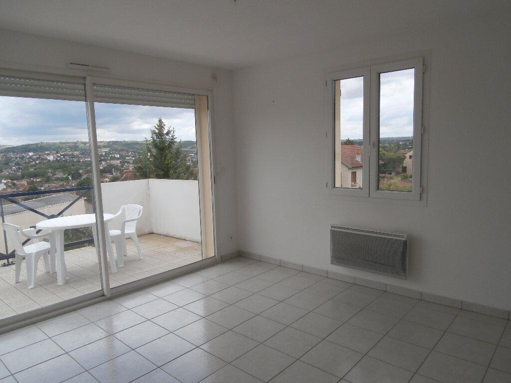 Appartement à louer 2 38m2 à Montluçon vignette-2