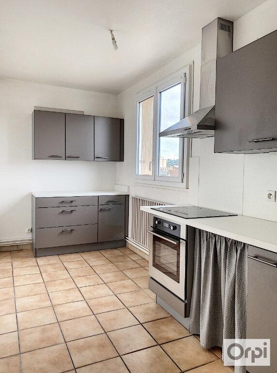 Appartement à louer 3 64m2 à Montluçon vignette-2