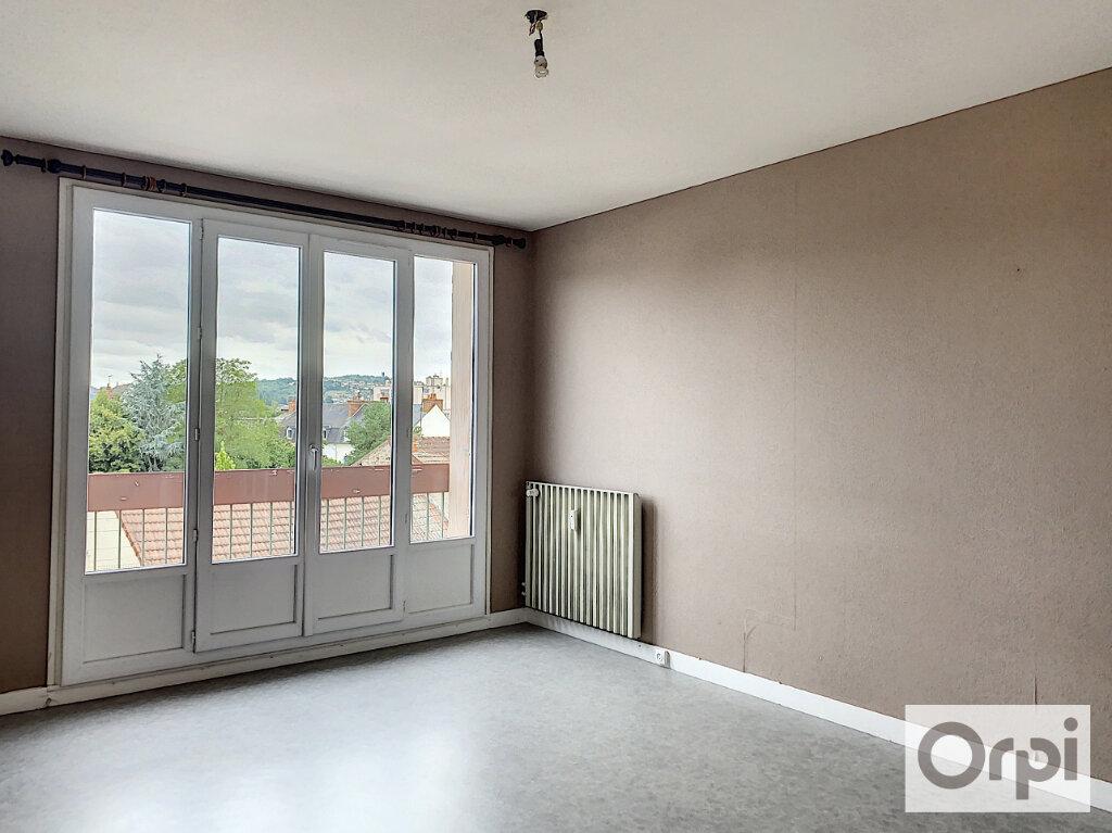 Appartement à louer 3 64m2 à Montluçon vignette-4