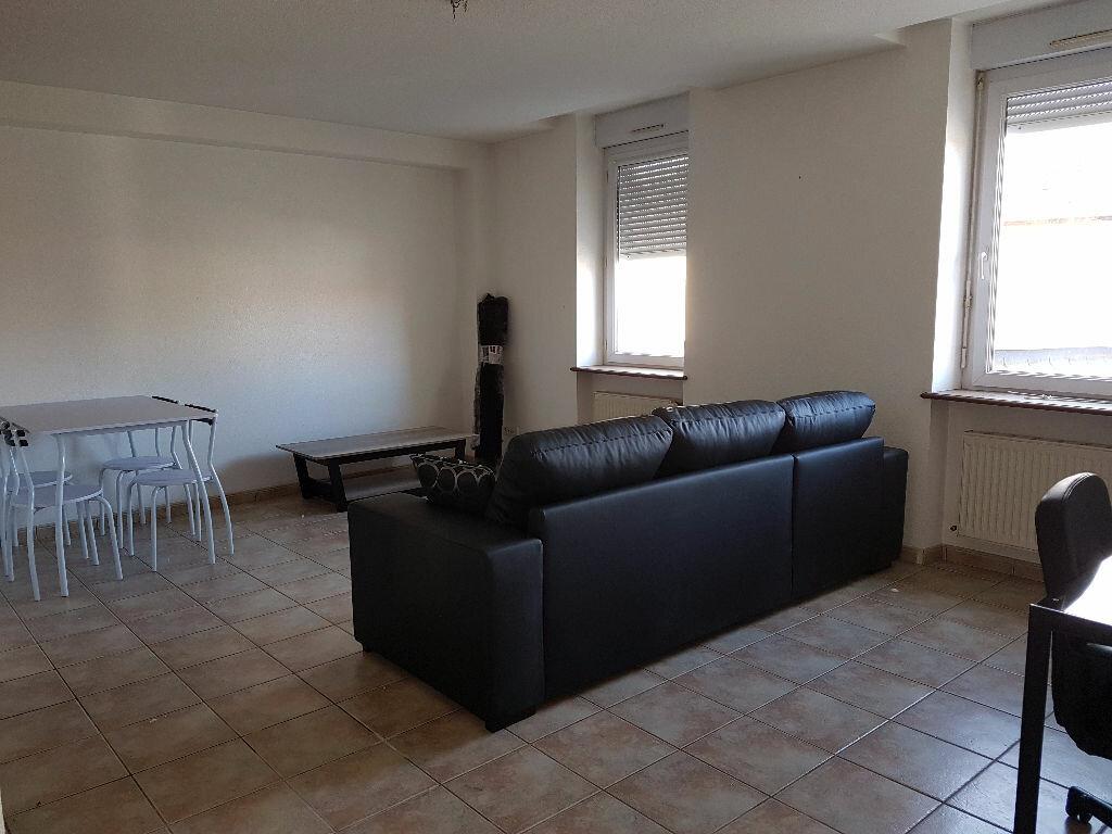 Appartement à louer 3 65.74m2 à Montluçon vignette-2