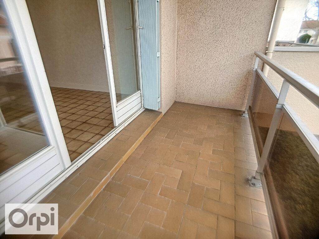 Appartement à louer 3 62.21m2 à Montluçon vignette-6