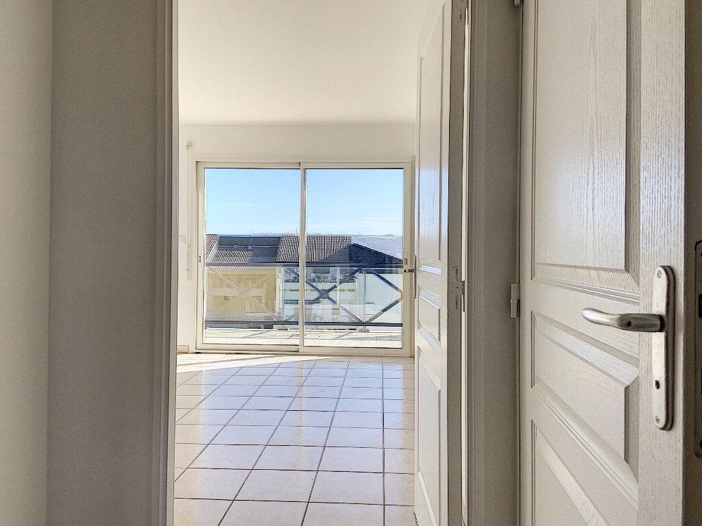 Appartement à louer 2 42m2 à Montluçon vignette-5