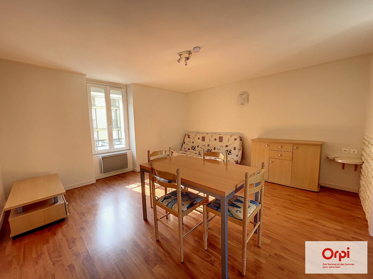 Appartement à louer 1 31m2 à Montluçon vignette-3