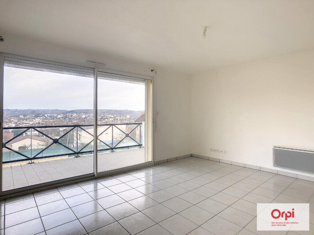 Appartement à louer 2 53m2 à Montluçon vignette-3