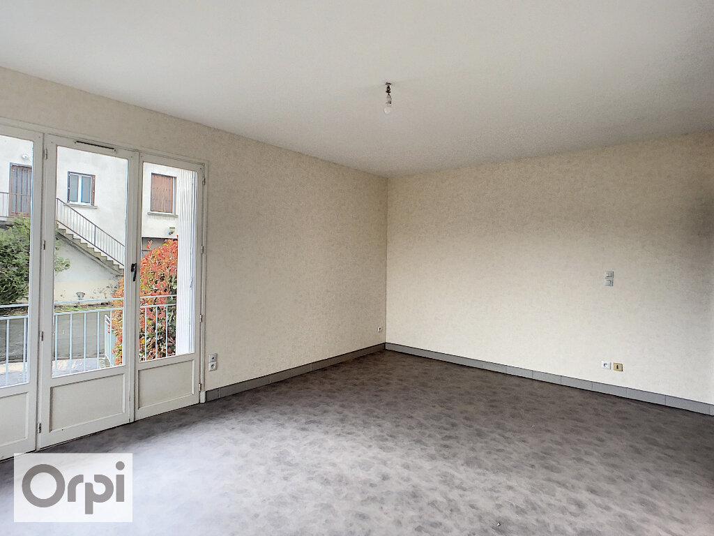 Appartement à louer 2 47.15m2 à Montluçon vignette-5