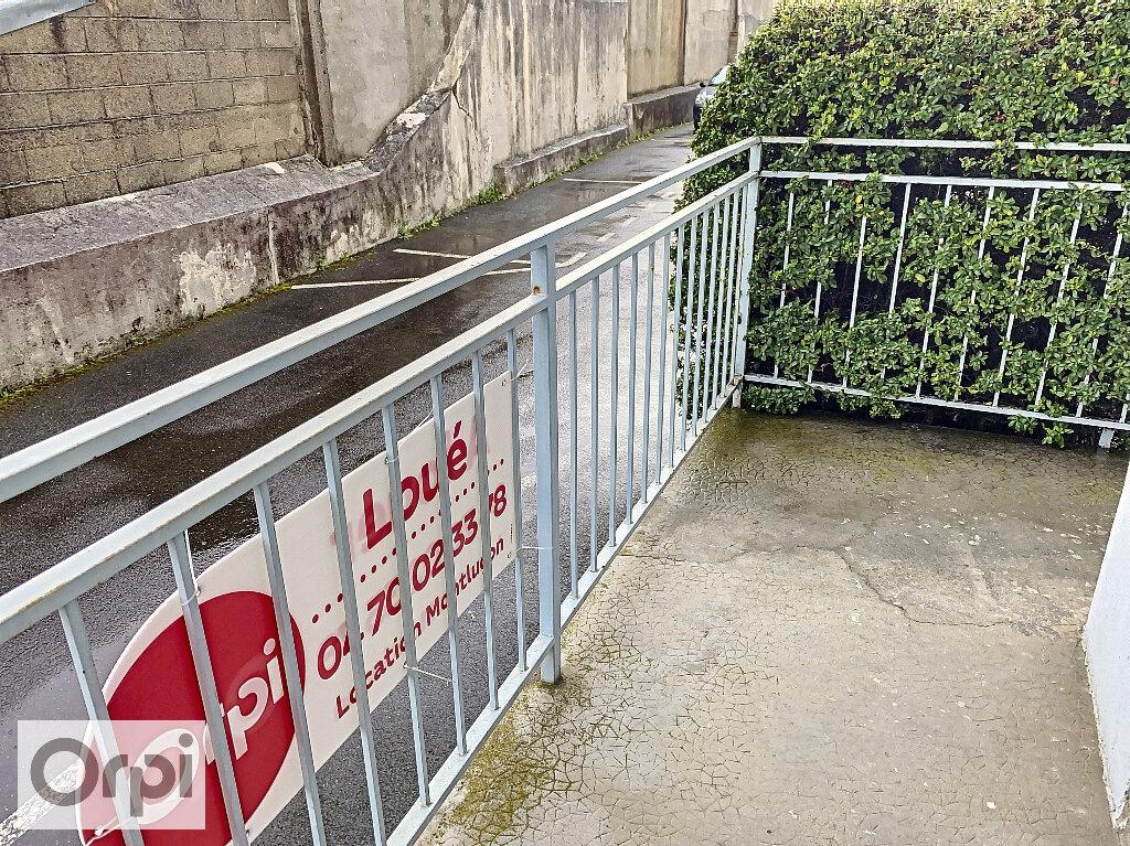Appartement à louer 2 47.15m2 à Montluçon vignette-6