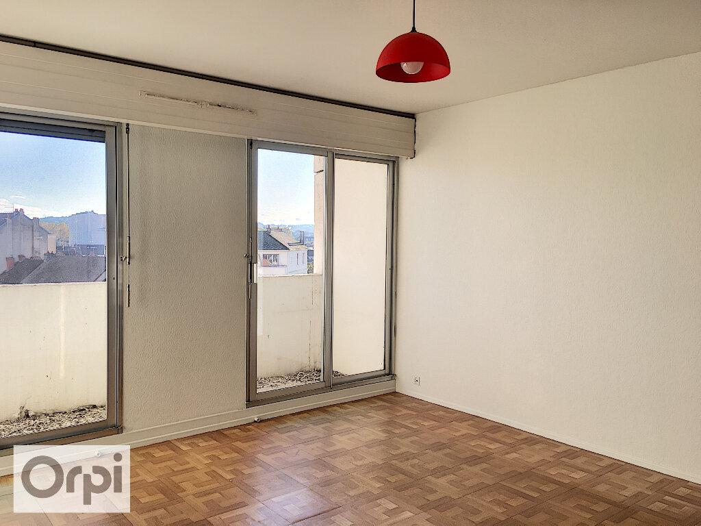 Appartement à louer 1 32.85m2 à Montluçon vignette-1