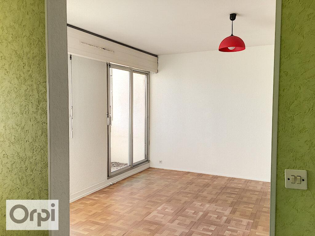 Appartement à louer 1 32.85m2 à Montluçon vignette-2
