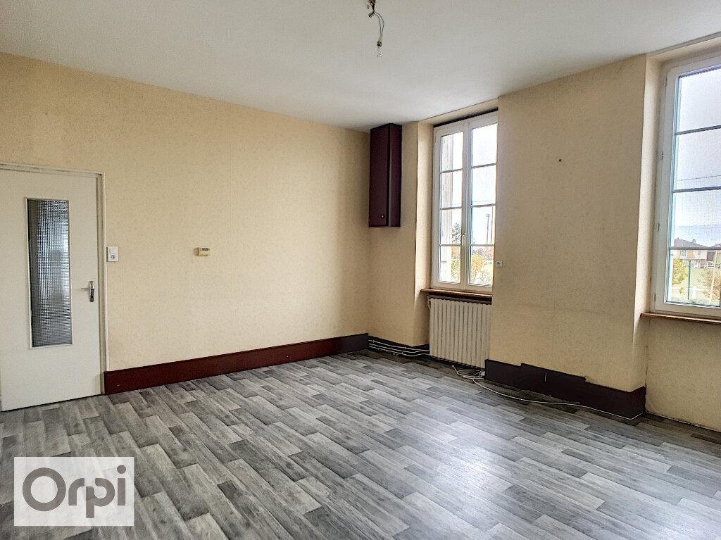Maison à louer 3 67m2 à Montmarault vignette-4