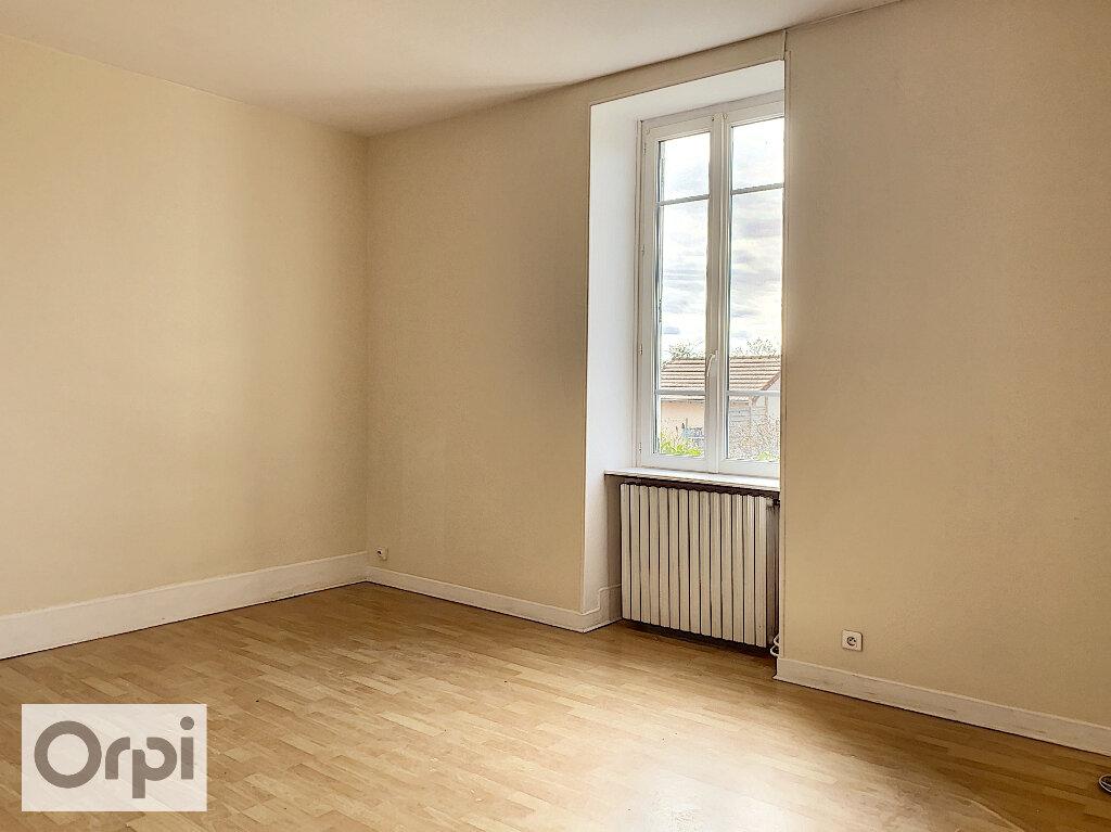 Maison à louer 3 67m2 à Montmarault vignette-6
