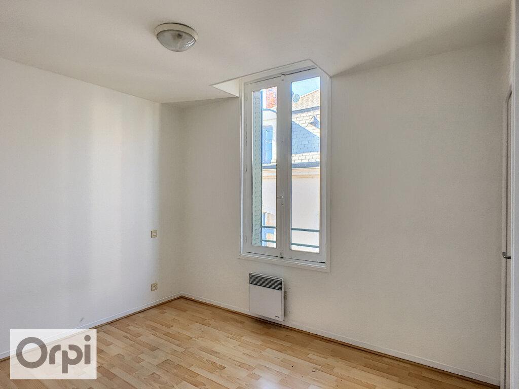 Appartement à louer 2 48.12m2 à Montluçon vignette-4