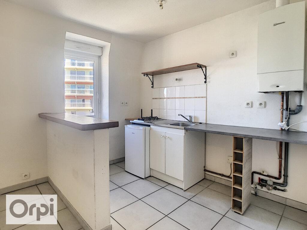 Appartement à louer 2 46.38m2 à Montluçon vignette-1