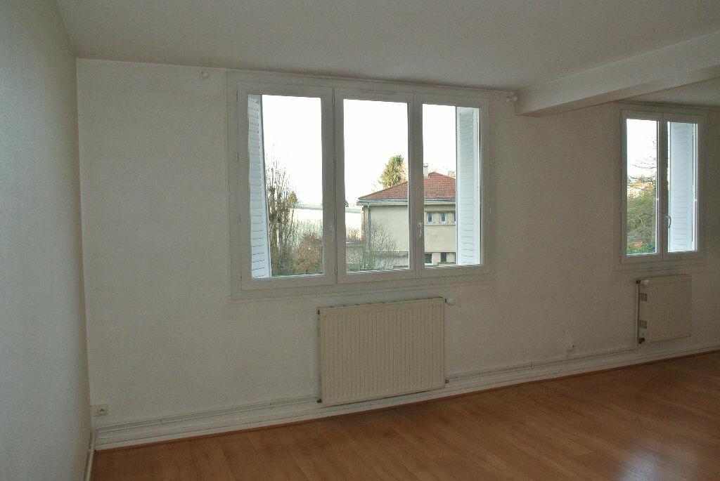 Appartement à louer 2 53.48m2 à Montluçon vignette-5