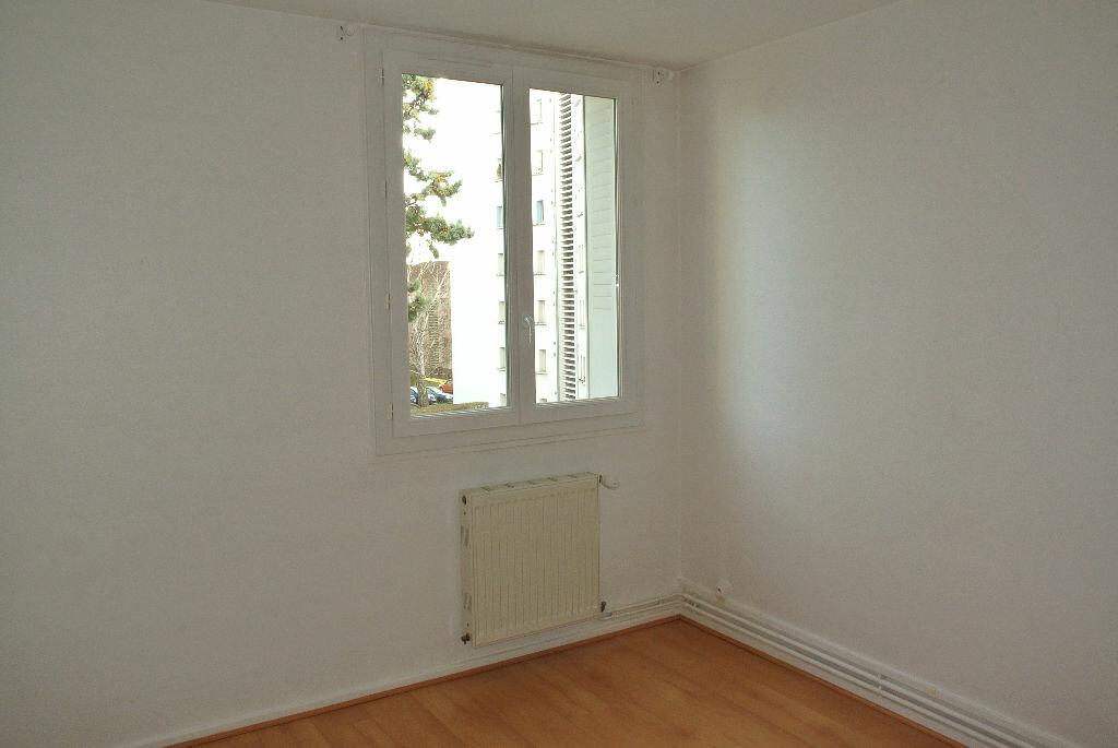 Appartement à louer 2 53.48m2 à Montluçon vignette-7