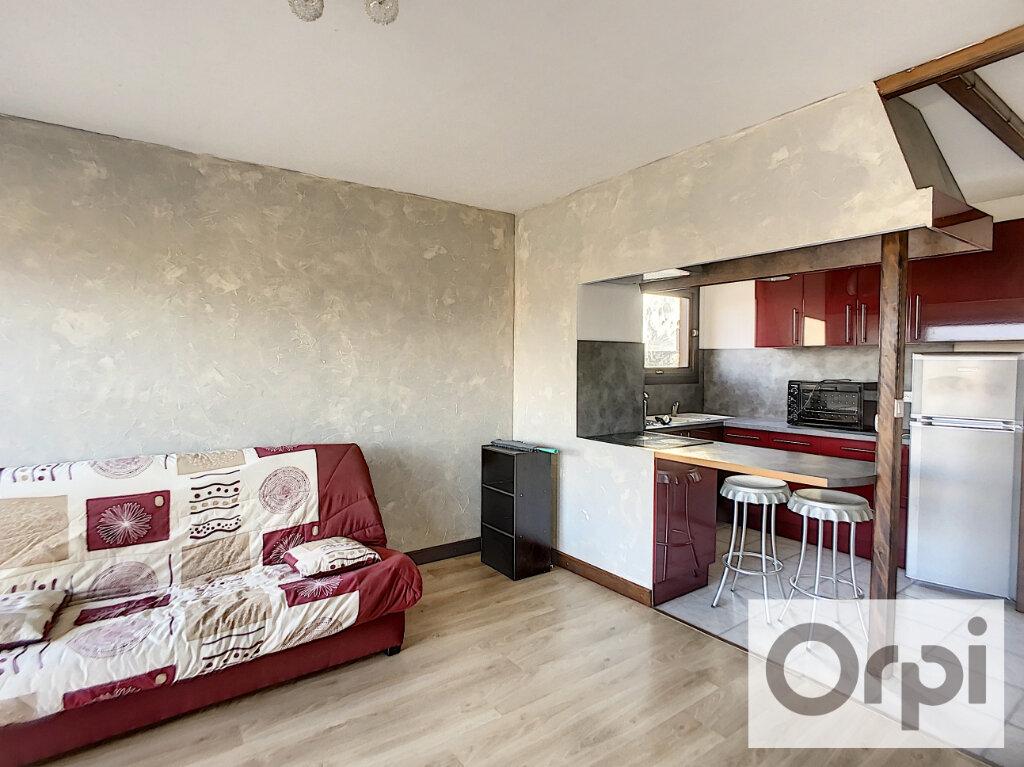 Appartement à louer 2 43.4m2 à Montluçon vignette-4
