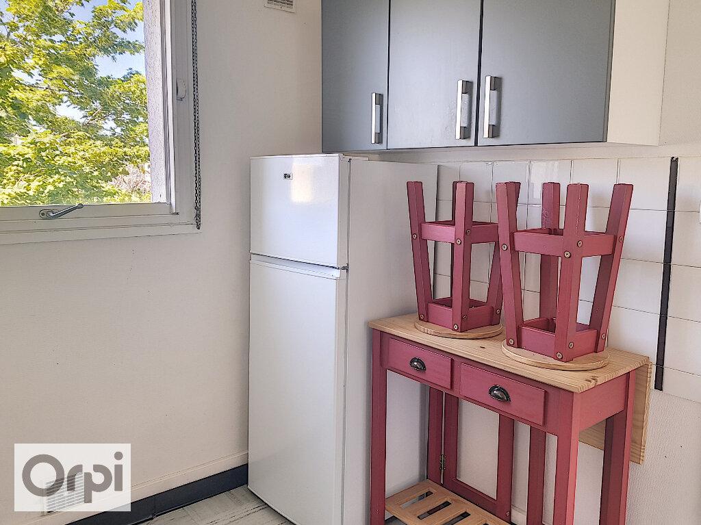 Appartement à louer 3 53.8m2 à Montluçon vignette-4
