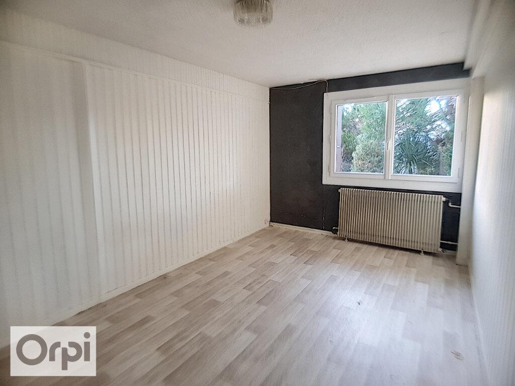 Maison à louer 4 101.23m2 à Montluçon vignette-4
