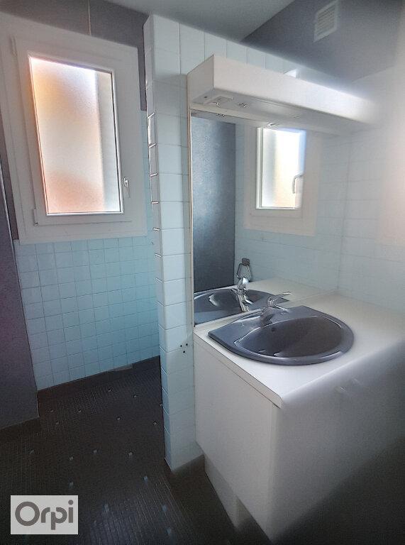 Maison à louer 4 101.23m2 à Montluçon vignette-9