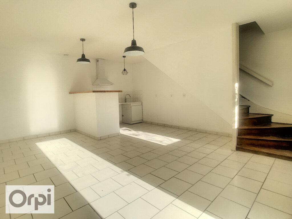 Maison à louer 3 57.69m2 à La Chapelaude vignette-2
