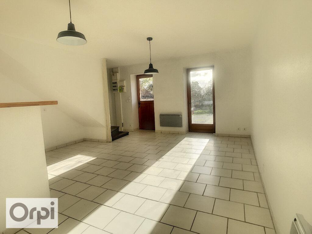 Maison à louer 3 57.69m2 à La Chapelaude vignette-3