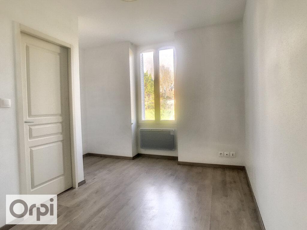 Maison à louer 3 57.69m2 à La Chapelaude vignette-7