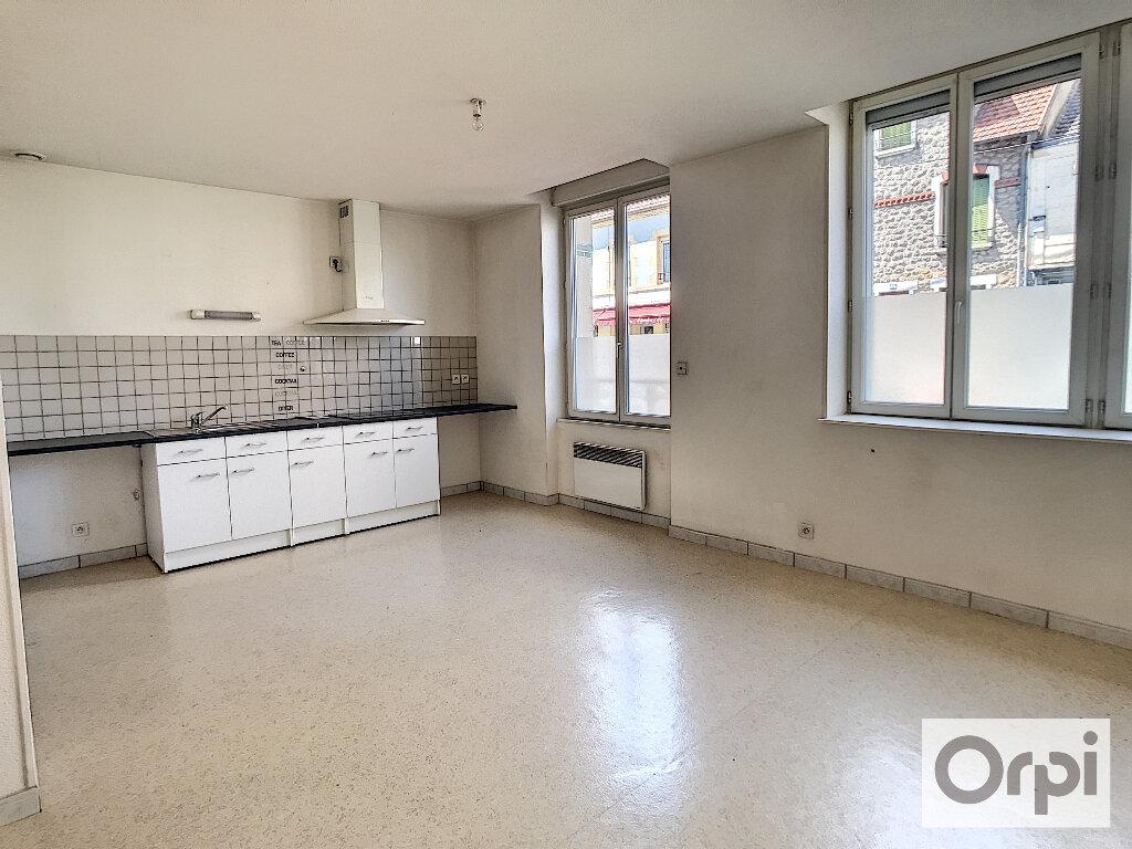Appartement à louer 2 55m2 à Montluçon vignette-3