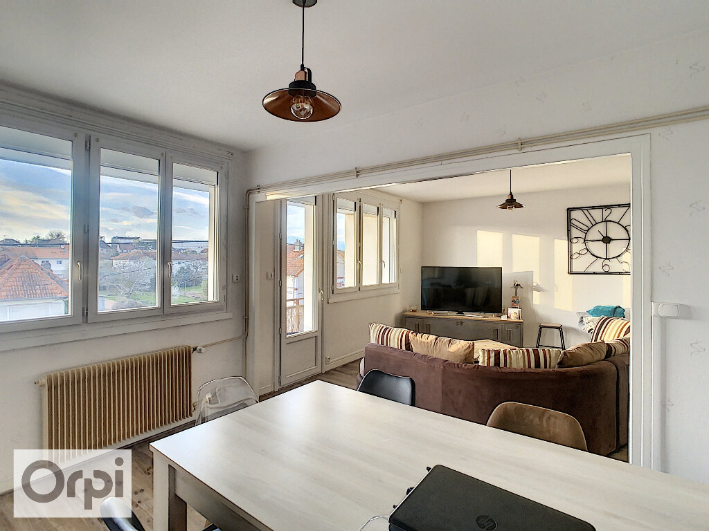 Appartement à louer 3 79.32m2 à Montluçon vignette-4
