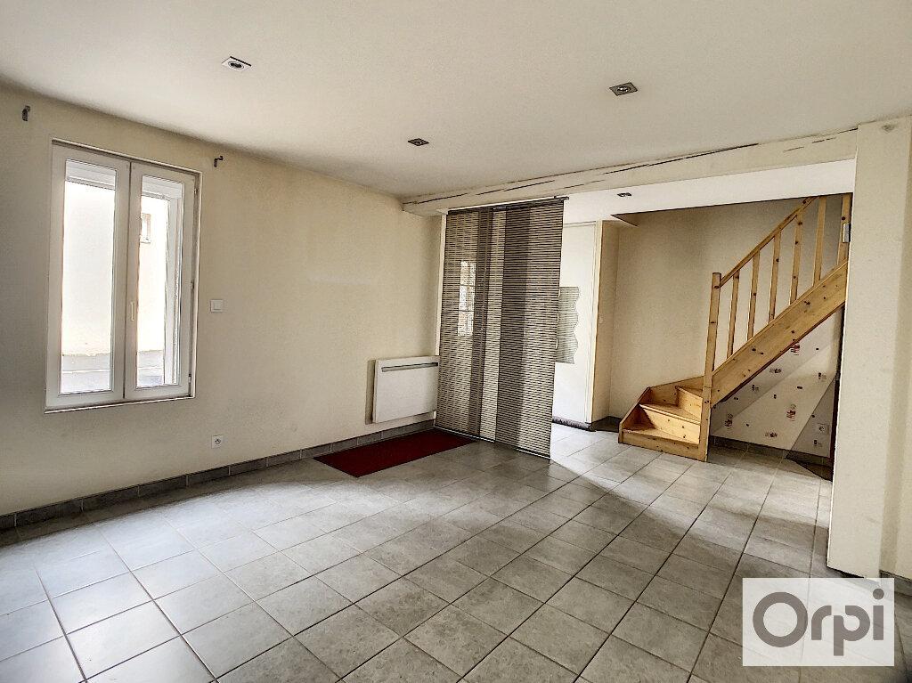 Maison à louer 3 49m2 à Montluçon vignette-4