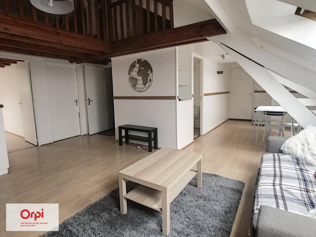 Appartement à louer 3 49.95m2 à Montluçon vignette-2