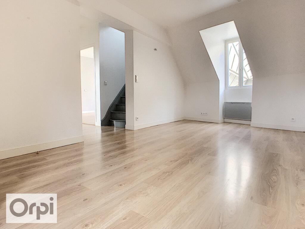 Appartement à louer 4 66.62m2 à Montluçon vignette-3