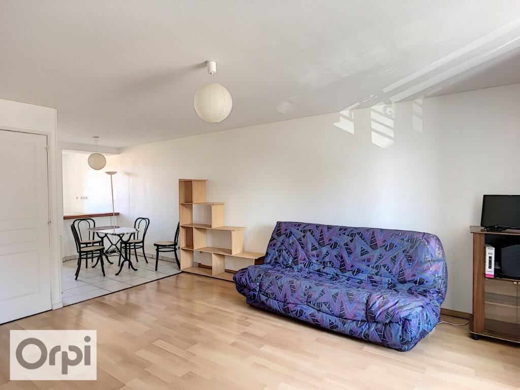 Appartement à louer 1 35.46m2 à Néris-les-Bains vignette-2
