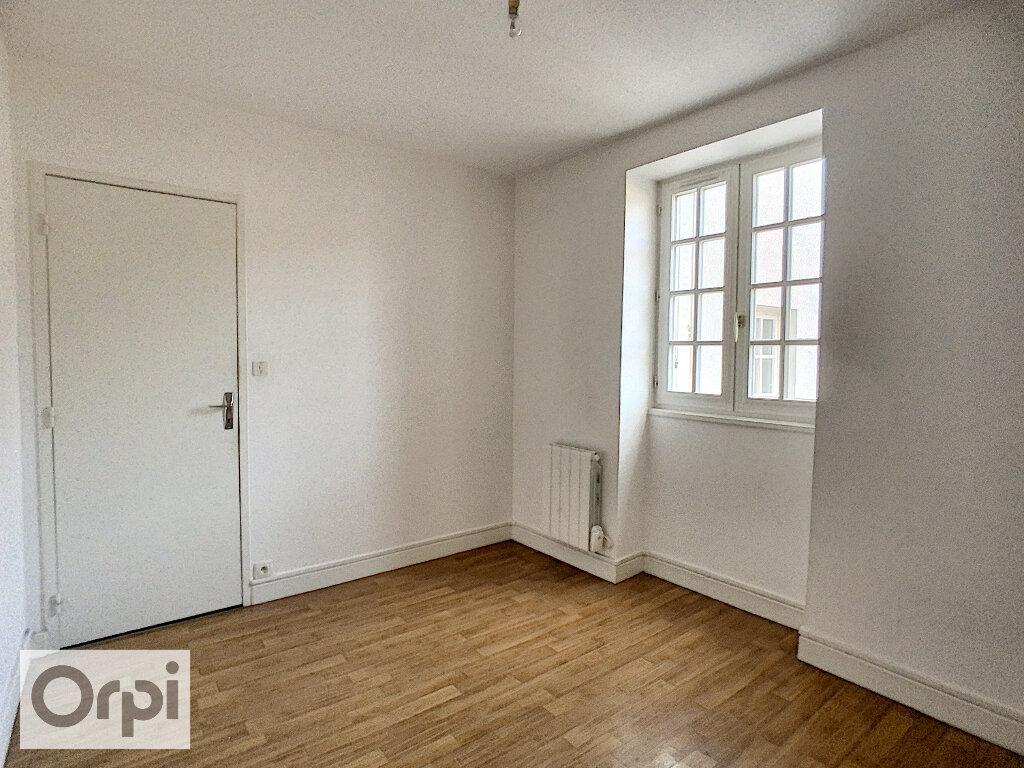 Appartement à louer 2 33.76m2 à Montluçon vignette-6