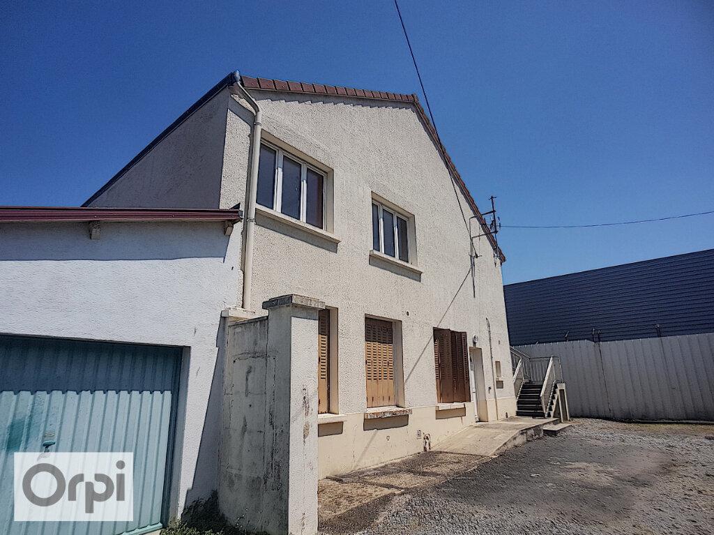 Appartement à louer 1 20m2 à Montluçon vignette-4